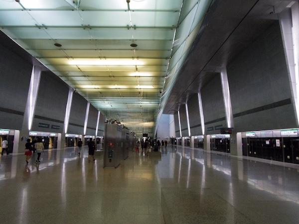 チャンギ国際空港地下鉄ホーム